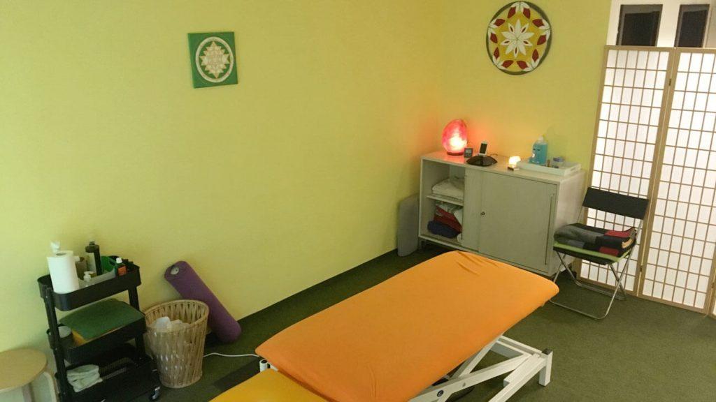 Massagen und Behandlungen in angenehmen Ambiente